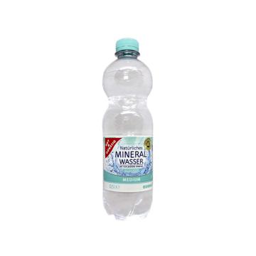 Gut&Günstig Mineral Wasser Medium 0,5L/ Agua con Gas